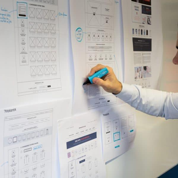 Antoine travaillant l'expérience utilisateur d'un cllient